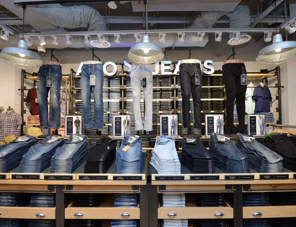 American Eagle Outfitters Celebrates Successful Singapore Opening