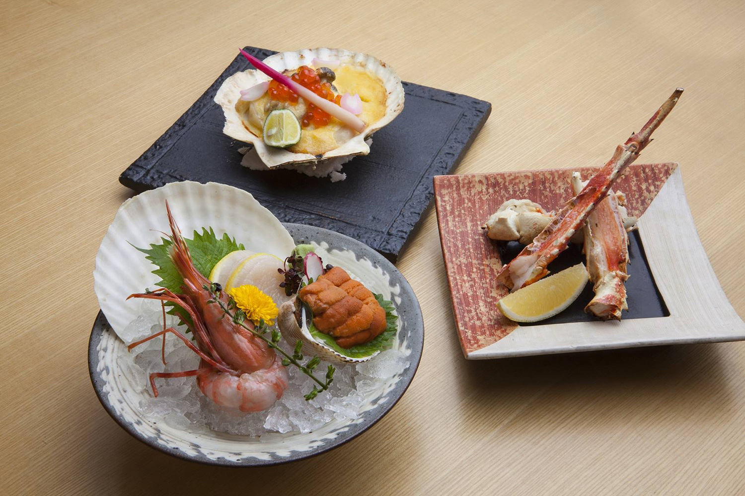 Sashimi-and-Grilled-King-Crab-and-Grilled-Scallop
