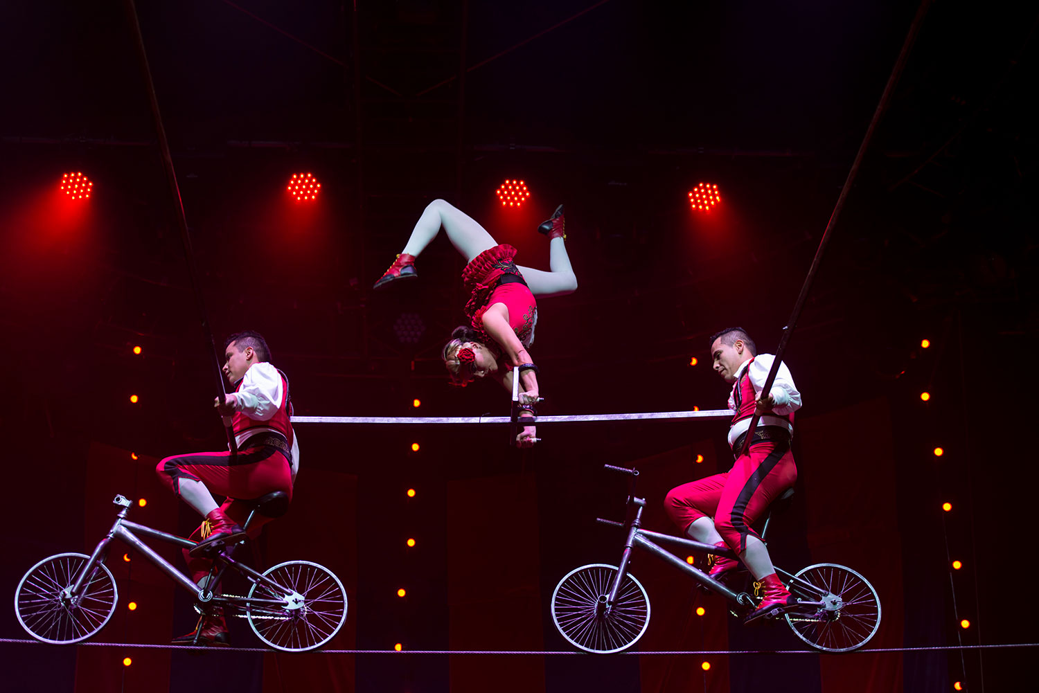 Circus 1903 Transforms the Stage into a Turn-of-the-Century Circus in Asia