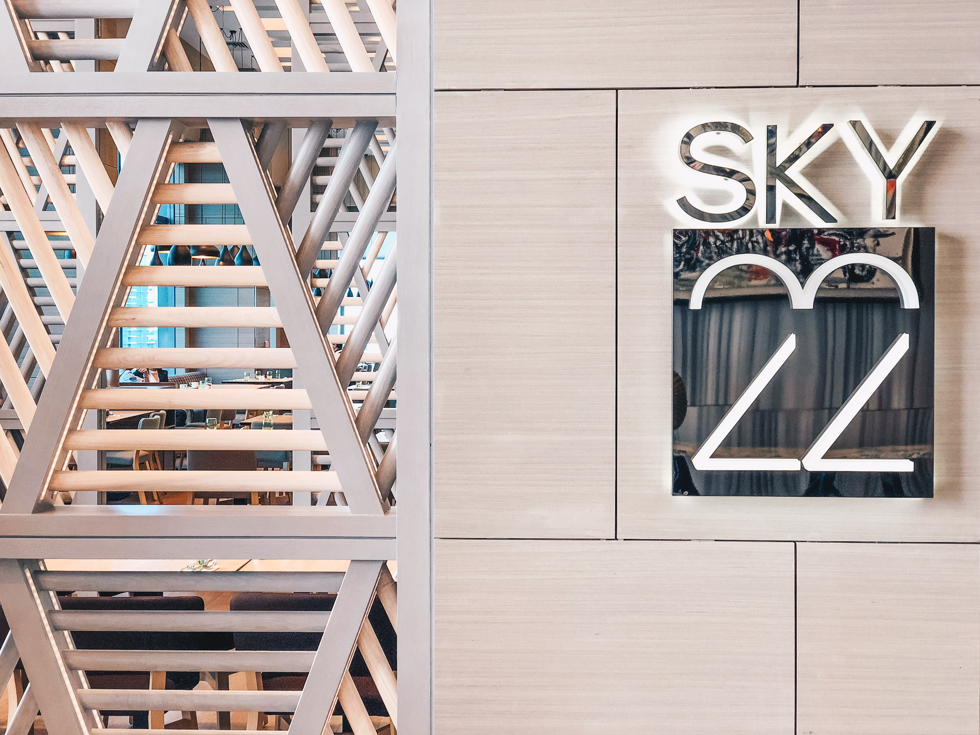 Sky22 at Courtyard by Marriott - Dining with a Skyline View