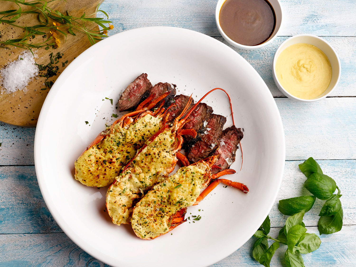 Courtyard-Singapore-Novena-Sky22-Easter-Surf-Turf-Lobster-Thermidor-and-Roast-Sirloin-Beef