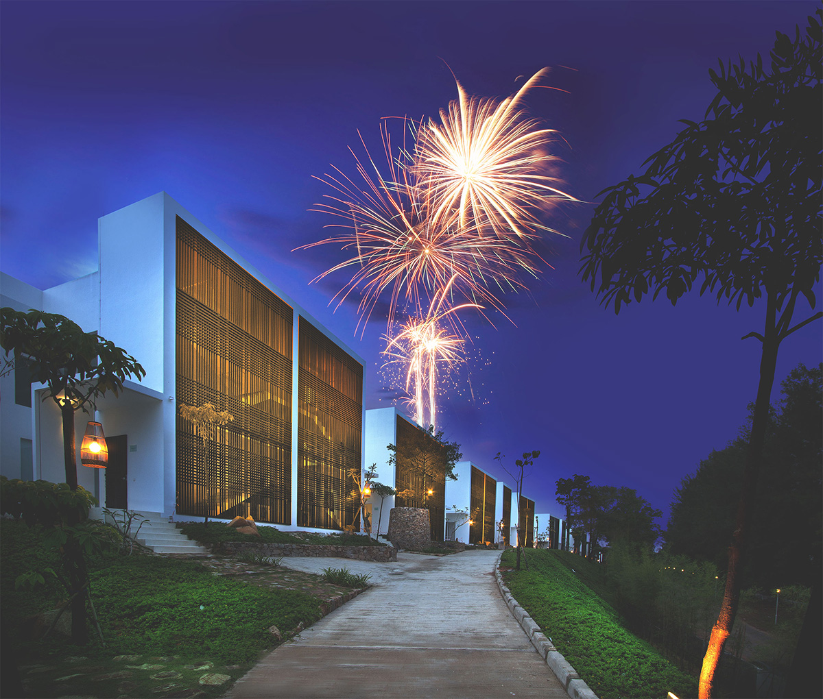 Catch-the-fireworks-display-at-Montigo-Resorts-Nongsa
