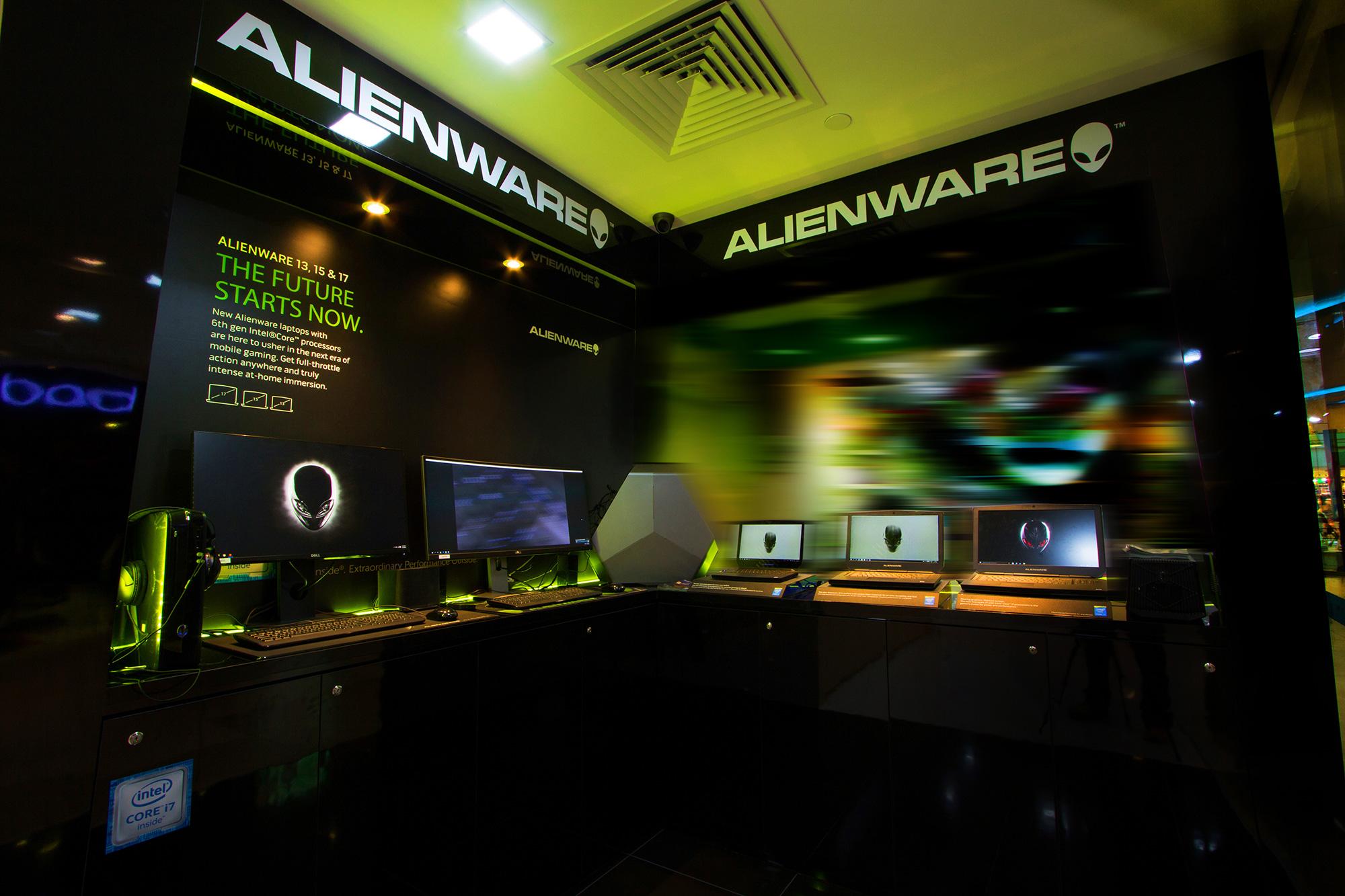 Dell-Exclusive-Store_interior_2