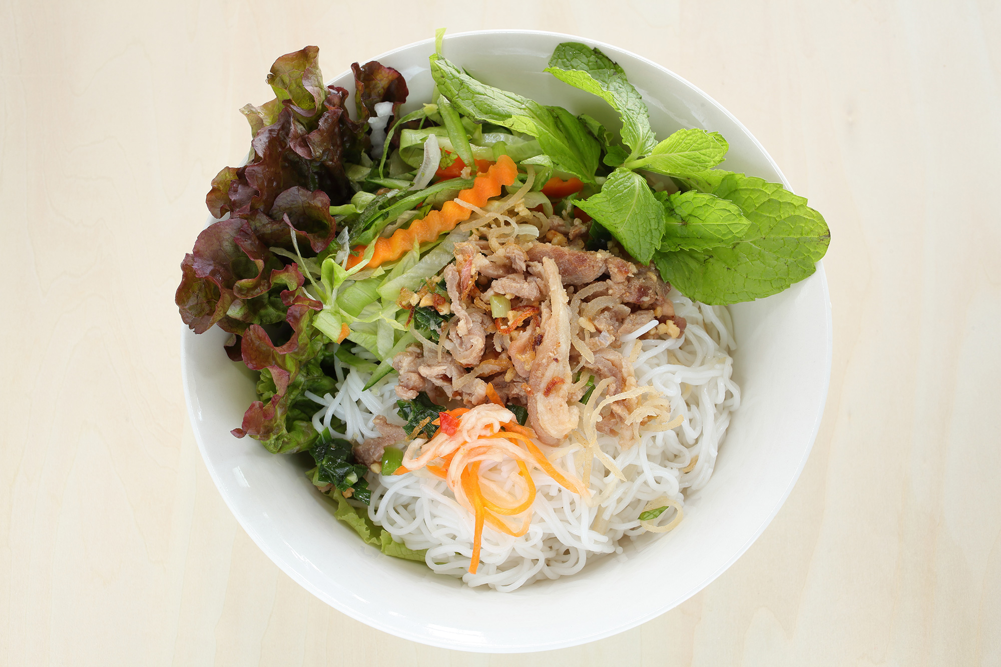 Rice-noodle-and-grilled-pork-(Ky-Hoa-Night-Market)