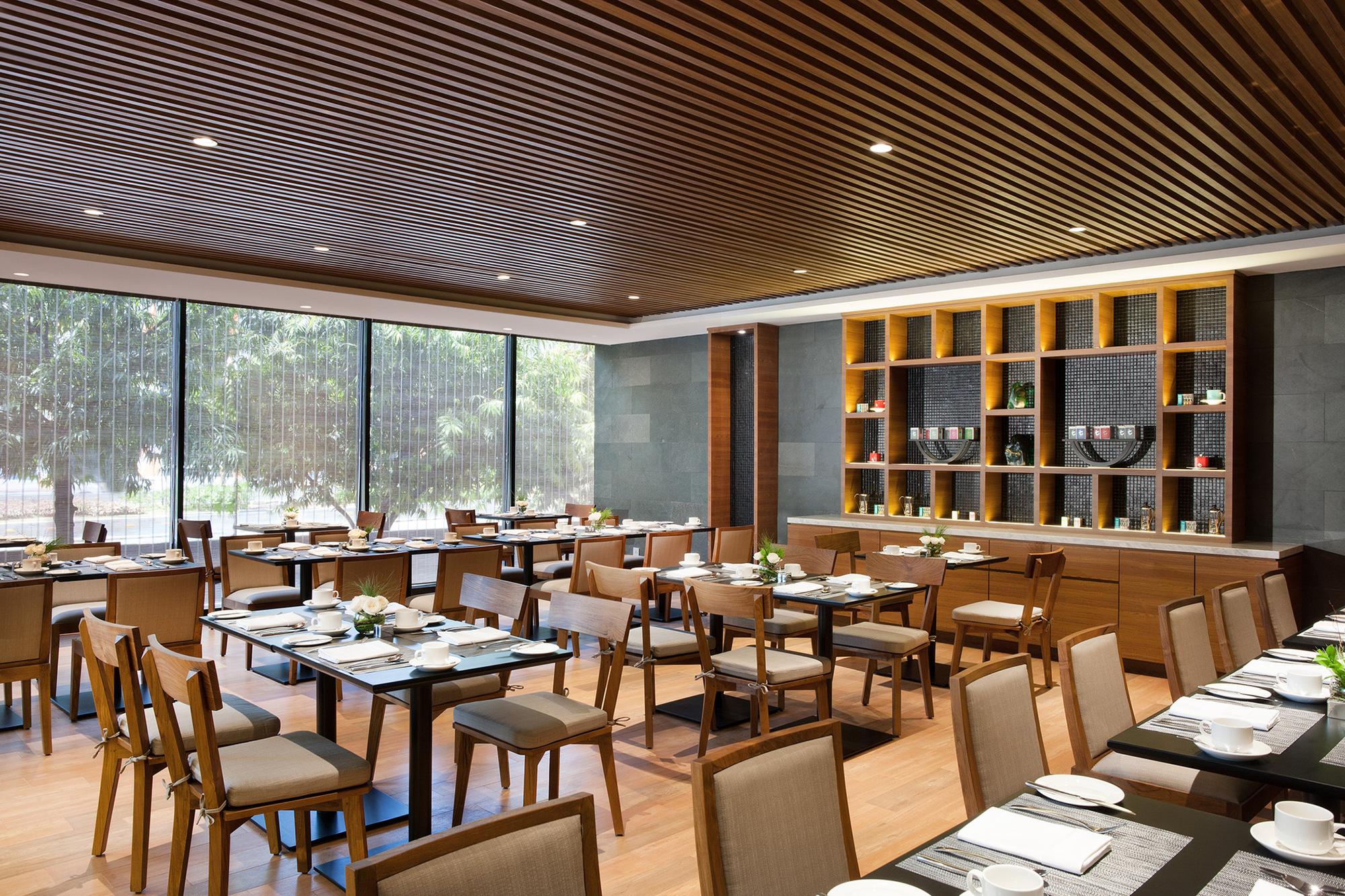 Photo : Four Points by Sheraton Tharmin, The Eatery