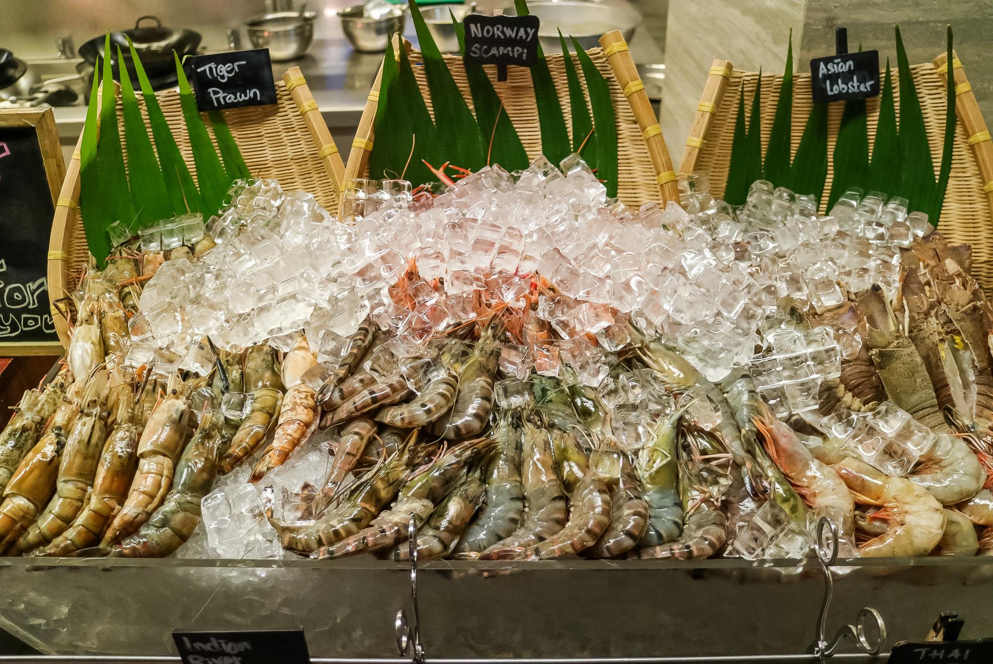 ultimate-prawn-party-hotel-jen-orchardgateway1