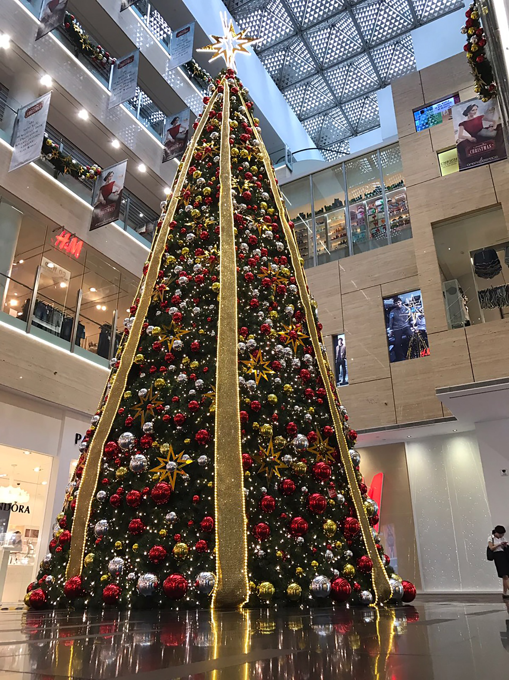 One Raffles Place Christmas Tree