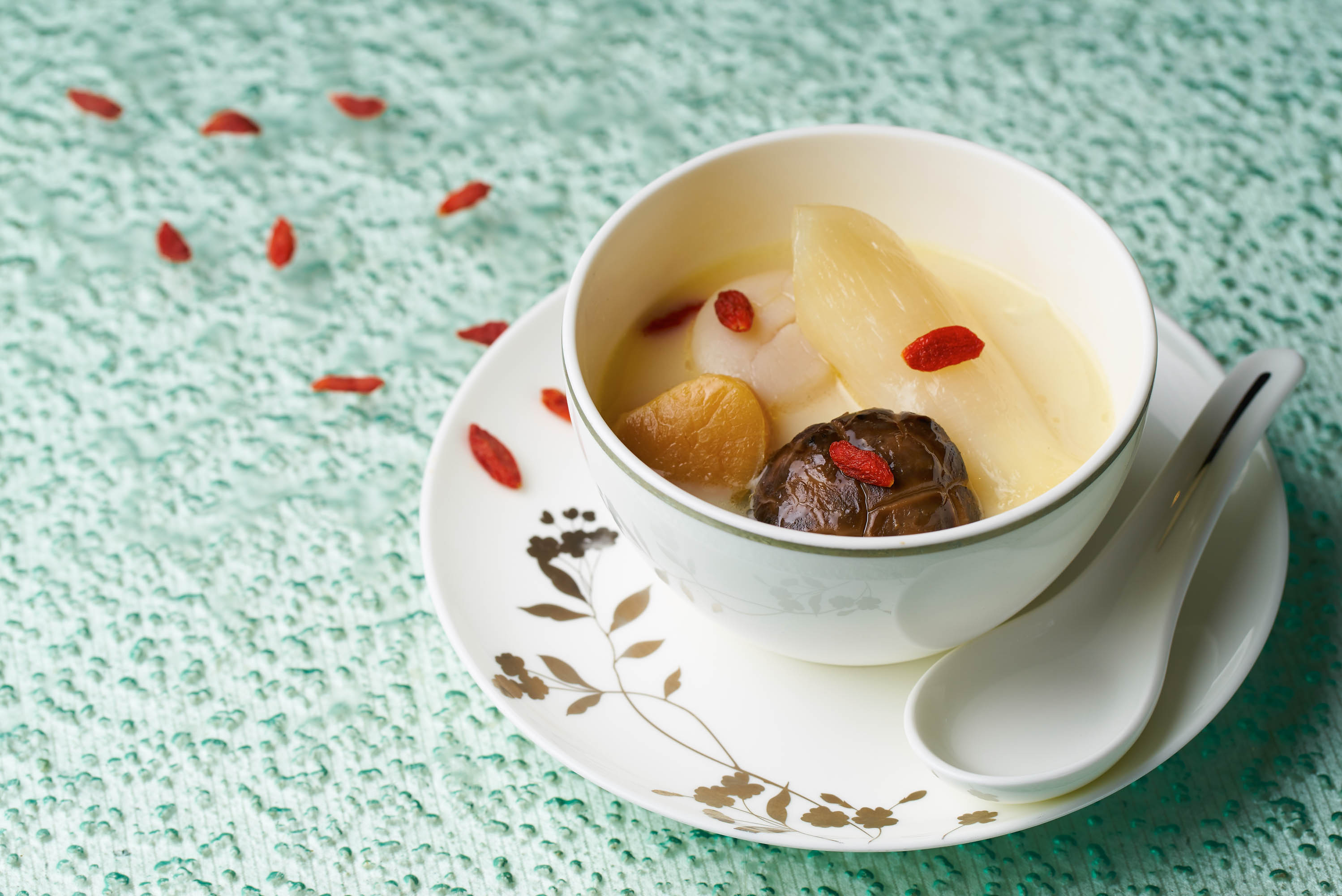 Double-Boiled Thick Chicken Broth with Fish Maw, Duo of Scallops and Flower Mushroom