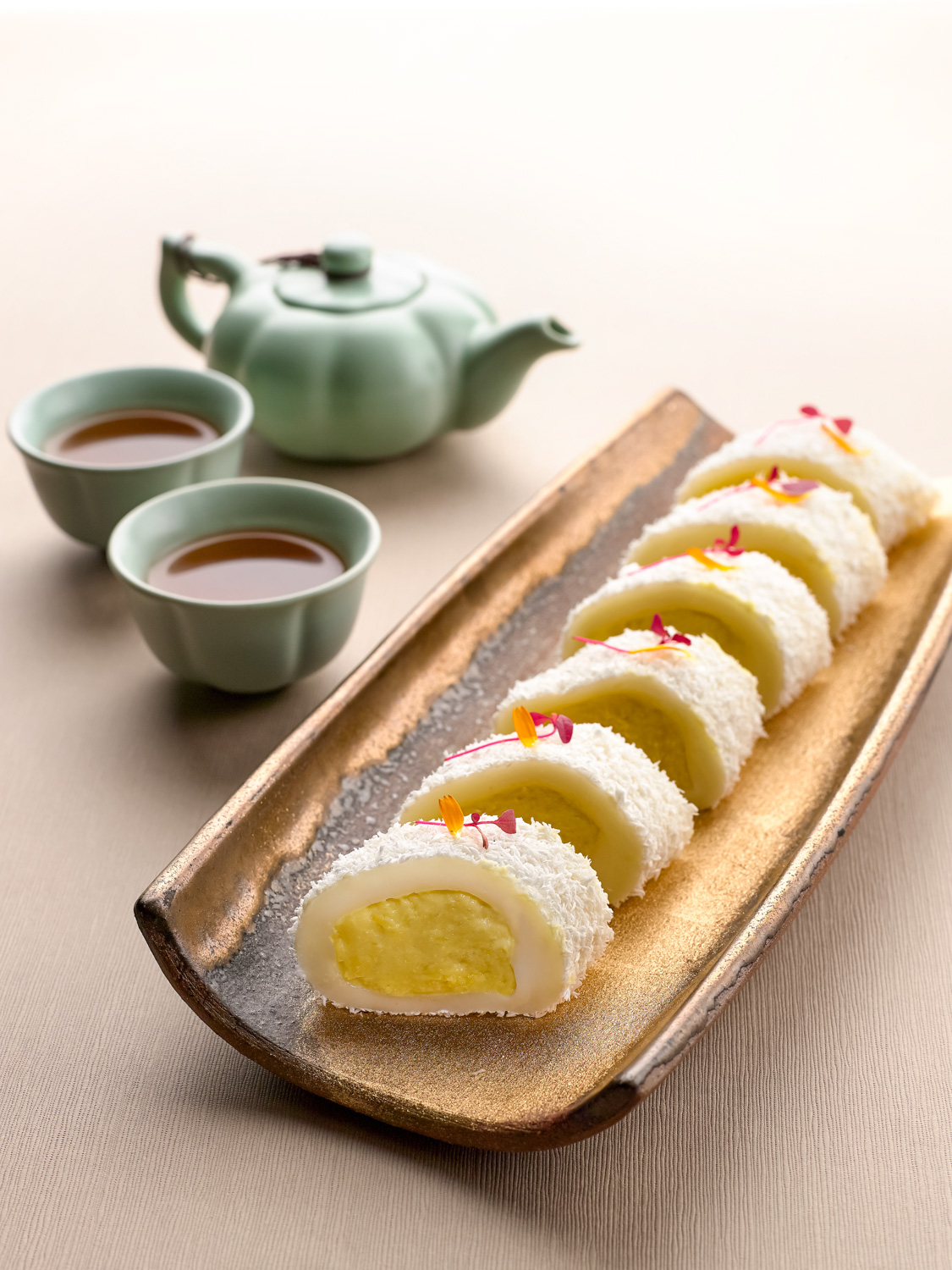 Chilled Glutinous Rice Rolls with Mao Shan Wang Durian Paste (猫山榴莲米滋卷)