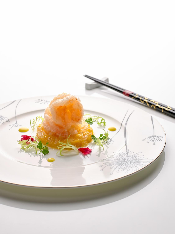 Deep-fried Crispy Prawn with Mango and Pomelo Sauce (柚子香芒脆虾球)