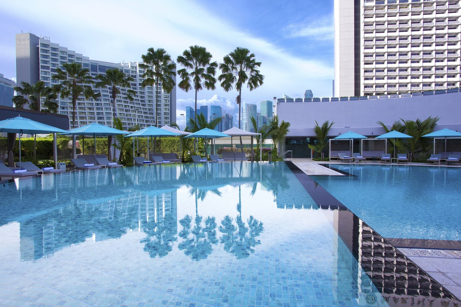 Pan Pacific Singapore Swimming Pool (Day)