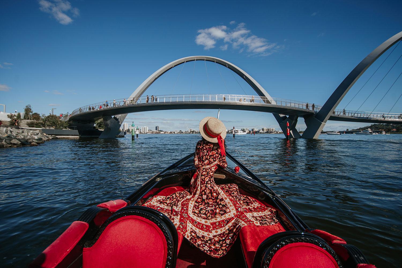Gondola-Ride-on-Swan-River