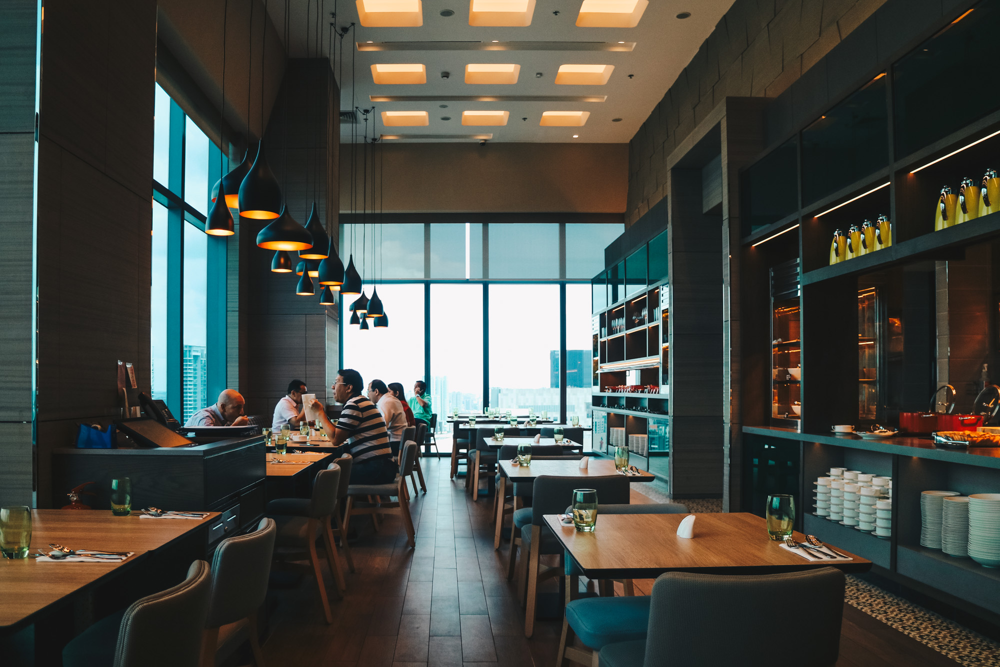 Sky 22 at Courtyard by Marriott - Dining with a Skyline View