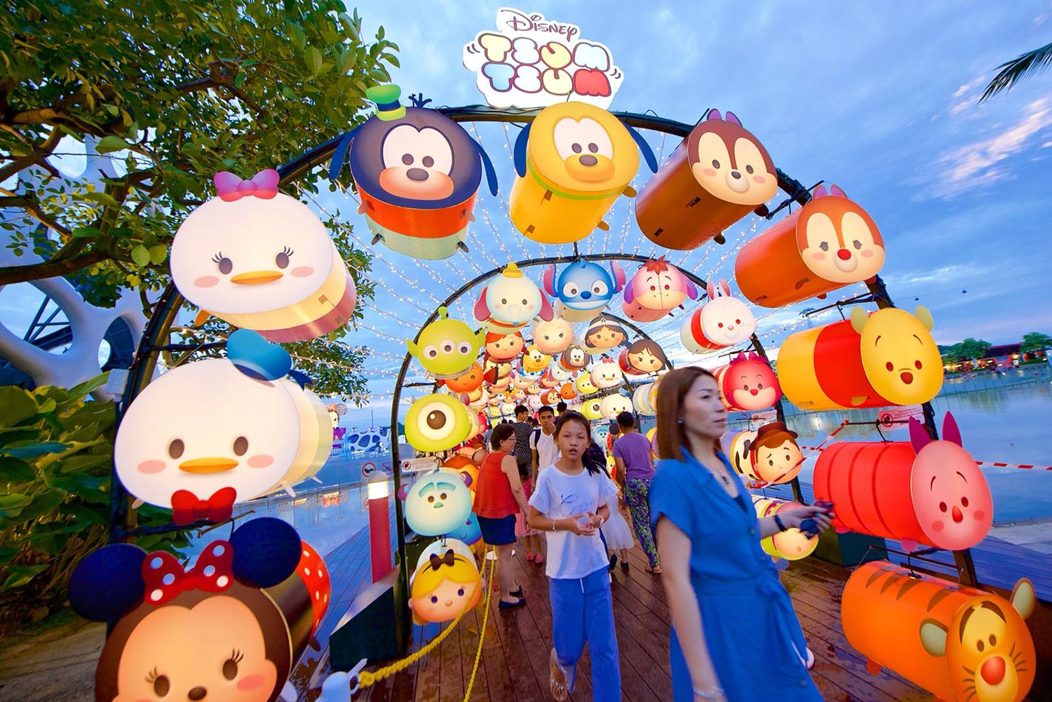 VivoCity presents Disney Tsum Tsum Mid-Autumn Celebration of Love