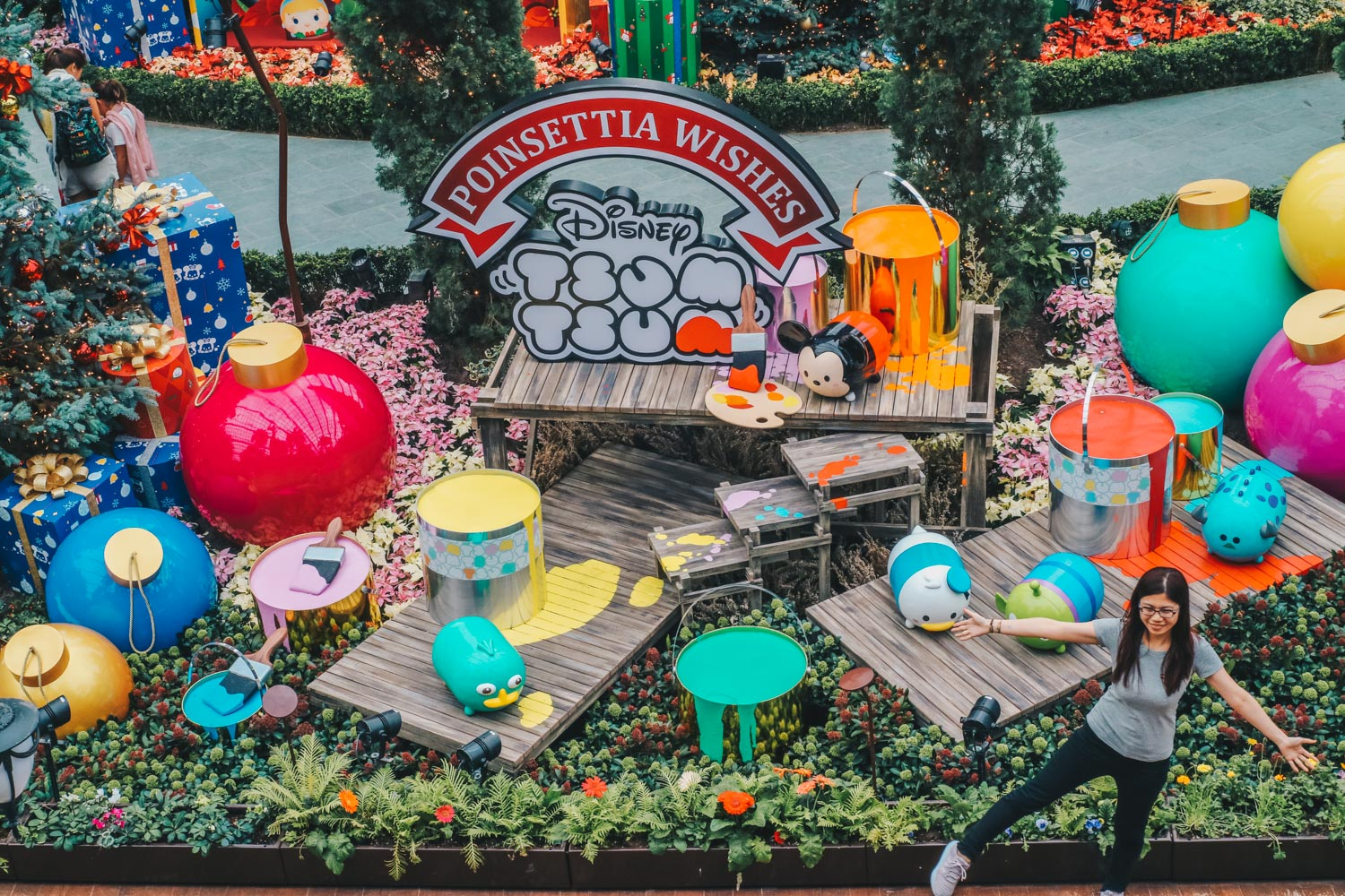Poinsettia Wishes Featuring Disney Tsum Tsum At Gardens By The Bay