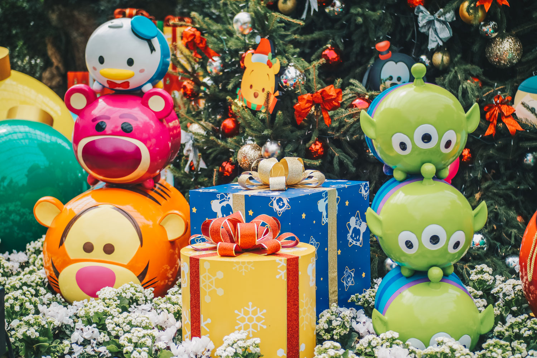 Poinsettia Wishes featuring Disney Tsum Tsum