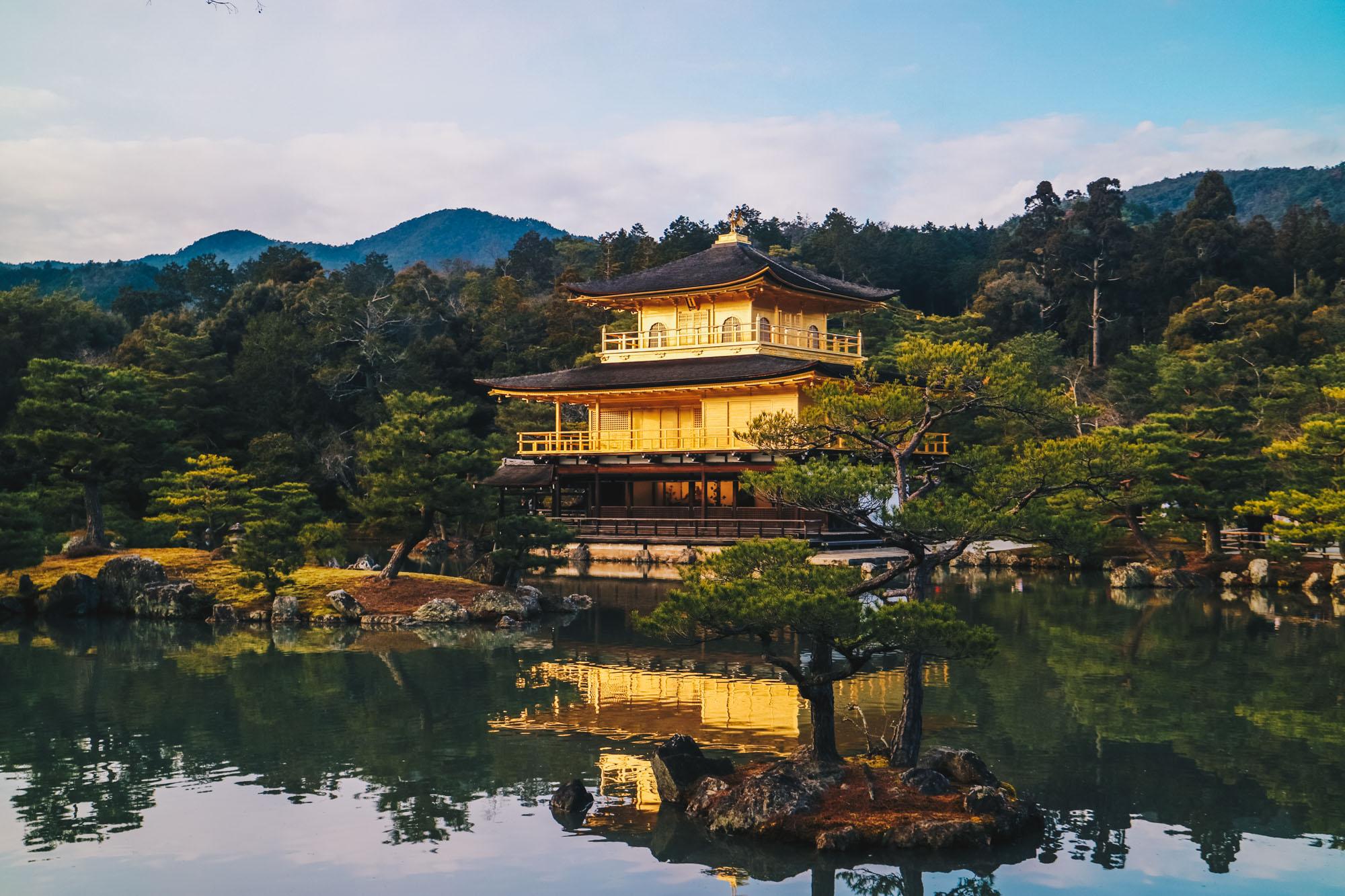 Kinkakuji-Golden-Pavilion-kyoto-japan-darrenbloggie