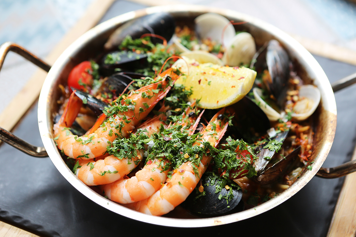 Winestone-Spanish-Wine-Pairing-Paella