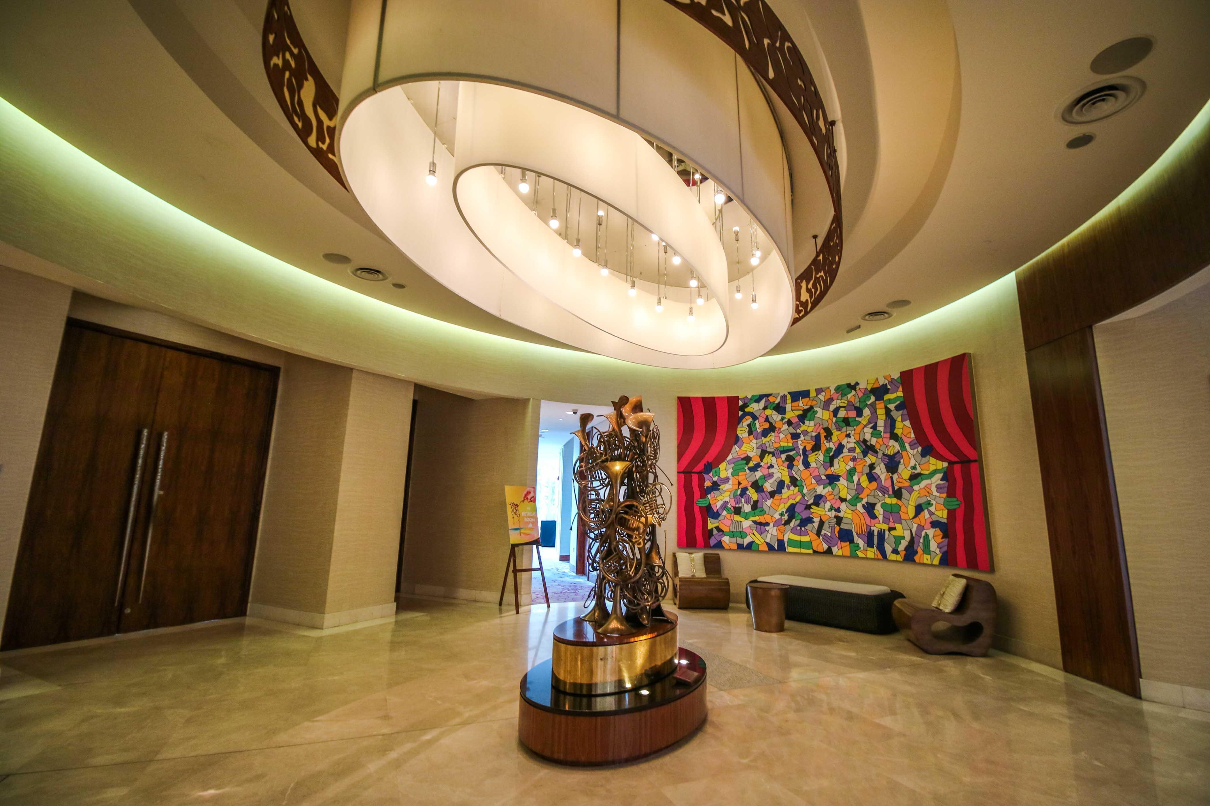 W-Singapore-Sentosa-staycation-darrenbloggie-art pieces