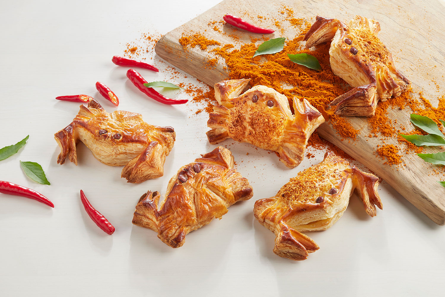 Curry-_-Chilli-Crab-Puffs-(credit-image-to-BreadTalk)