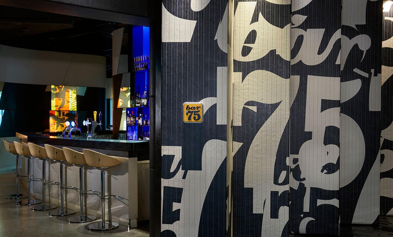 Bar_75