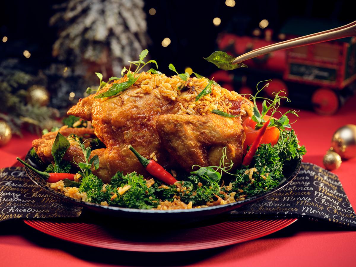 Bi Feng Tang Roasted Crispy Chicken at Si Chuan Dou Hua Restaurant, PARKROYAL on Beach Road