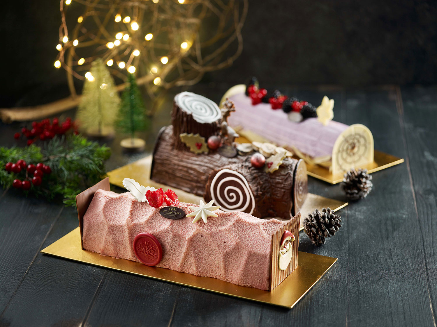 Crowne-Plaza-Changi-Airport---Festive-2019---Log-Cakes-(2)