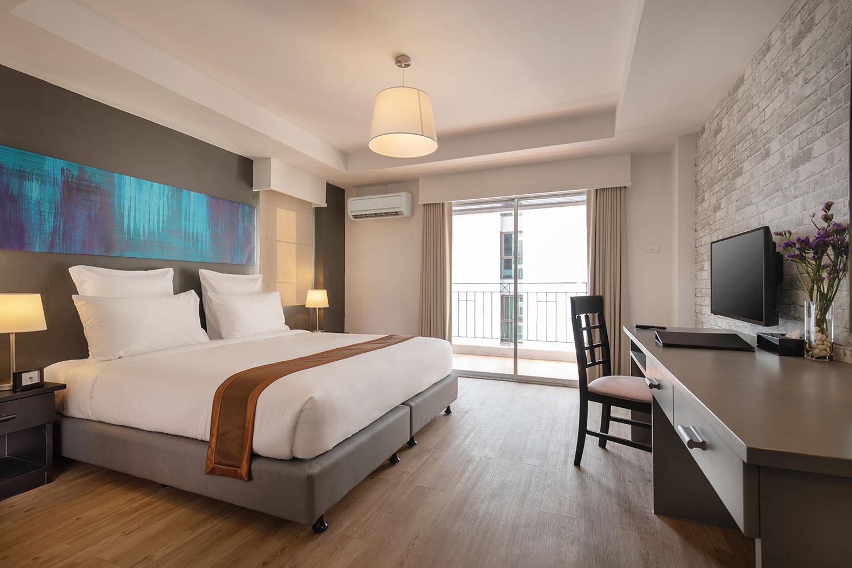PHOTO - Deluxe Room King / Oakwood Hotel JourneyHub Pattaya