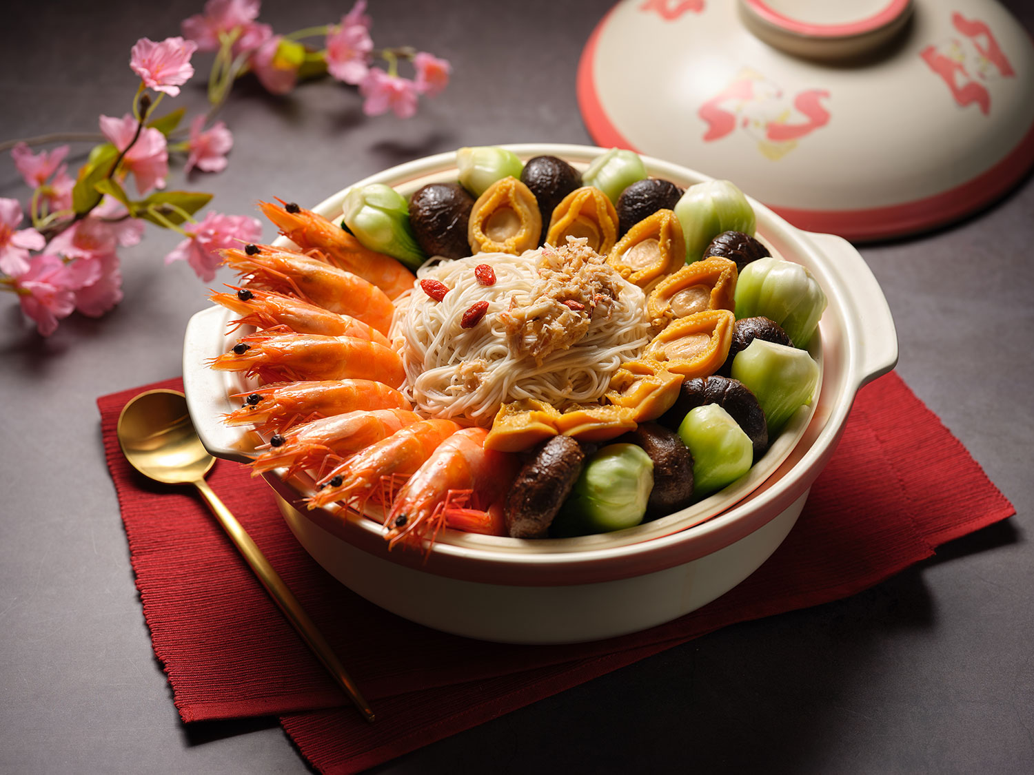 Longevity-Noodles-with-Abalone,-Fish-Maw-&-Golden-Broth