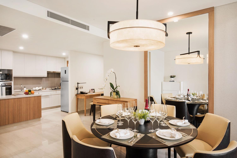 Oakwood-Residence-Saigon-3-Bedroom-Apartment---Dining-Area