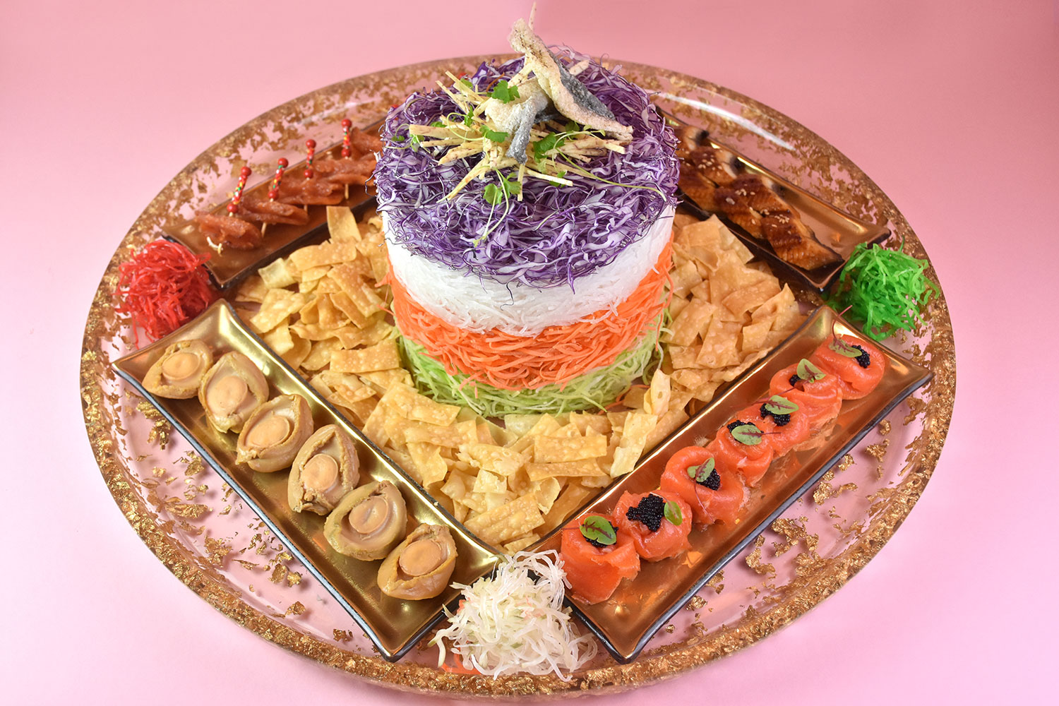 Signature-Fortune-Salmon-Yu-Sheng-with-Additional-Toppings