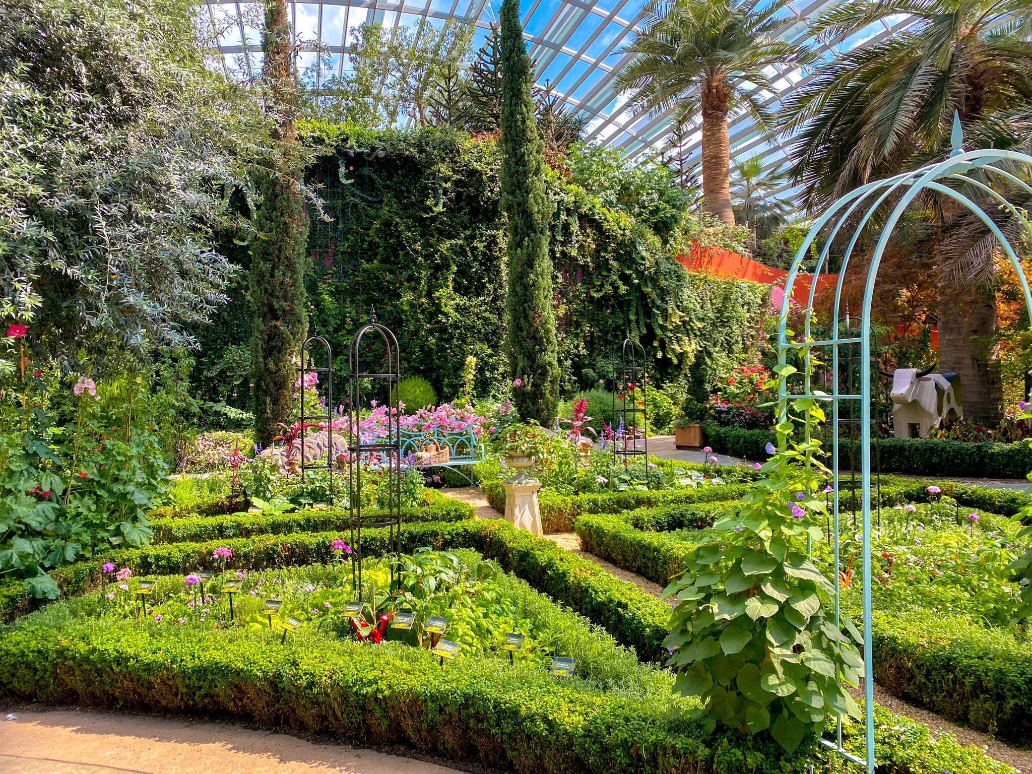 Pocket-Gardens-Surprise-The-Edible-Gardens-Flower-Dome