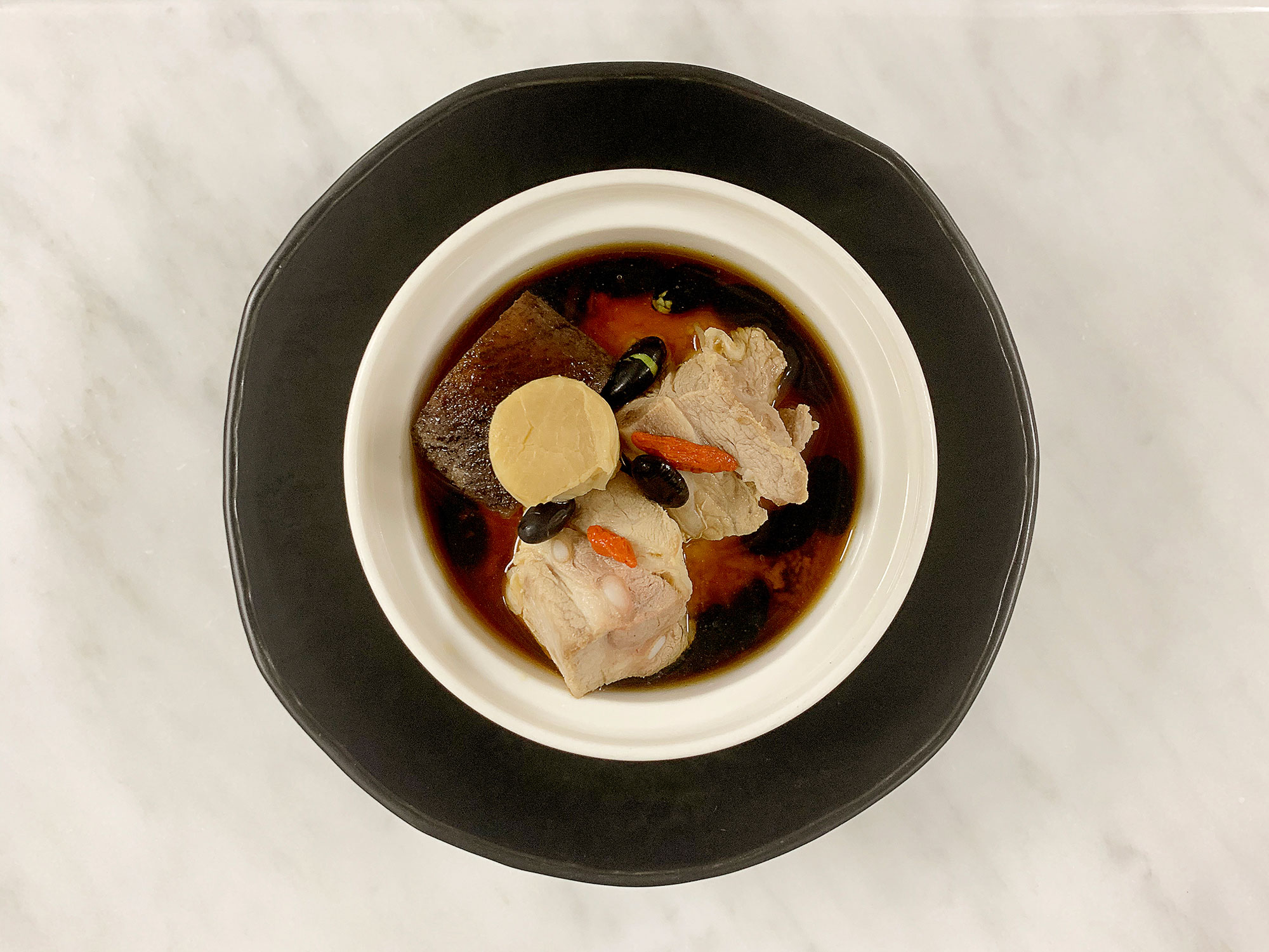 Double-boiled-Sea-Cucumber-Soup-with-Black-Bean-and-Chinese-Herbs