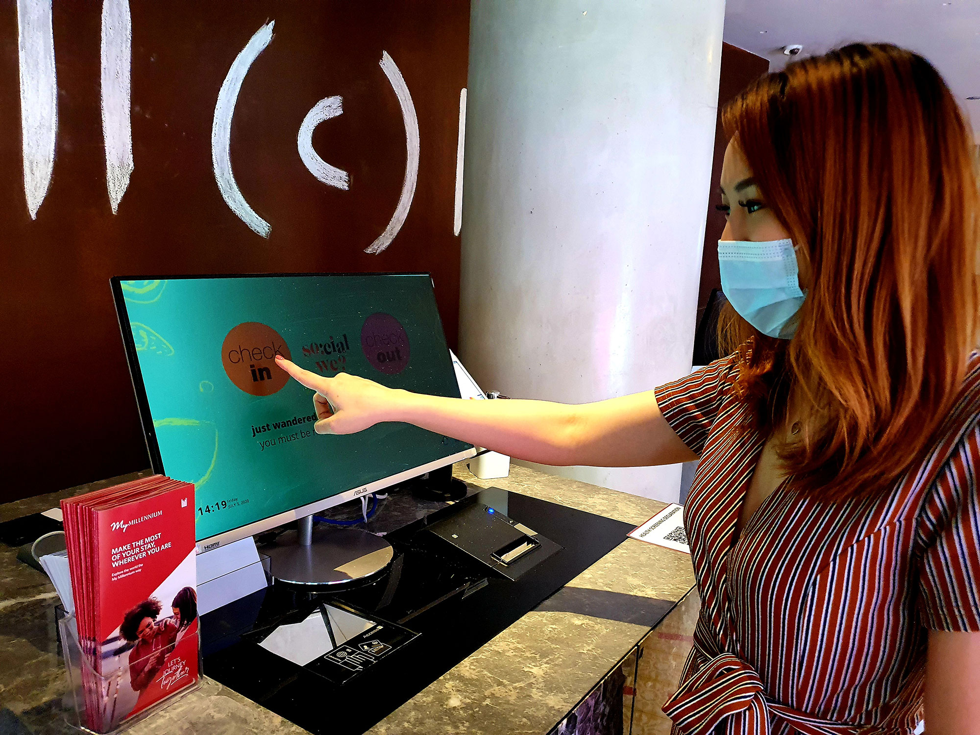 PHOTO - Self Check-in / M SOCIAL SINGAPORE