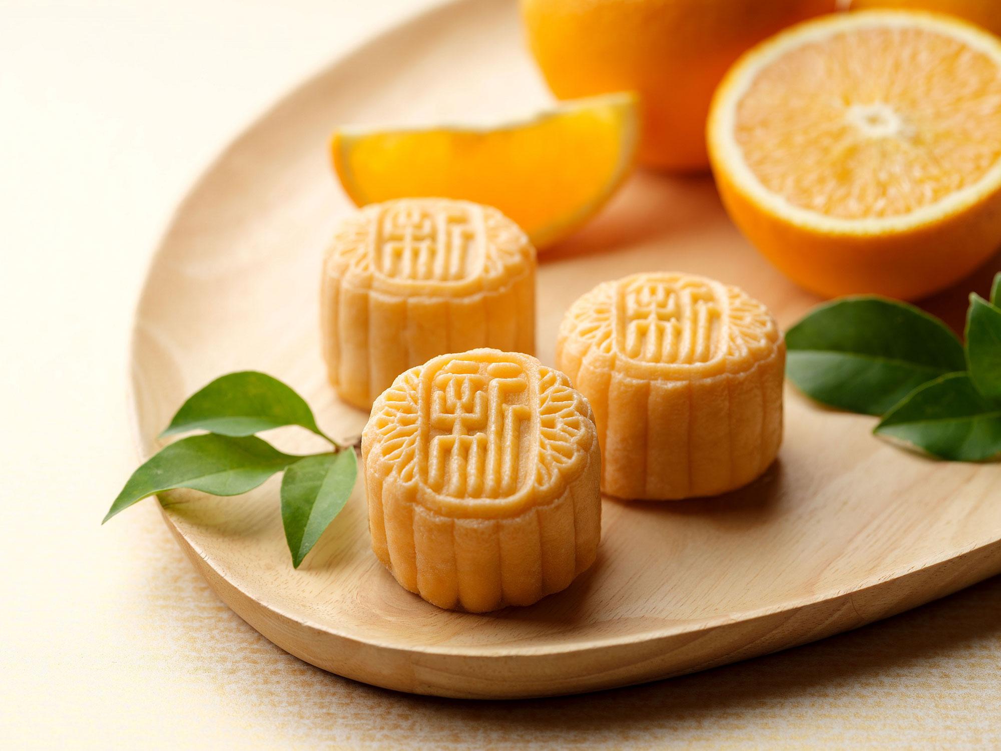 (NEW)-White-Lotus-Seed-Paste-w-Grand-Marnier-Praline