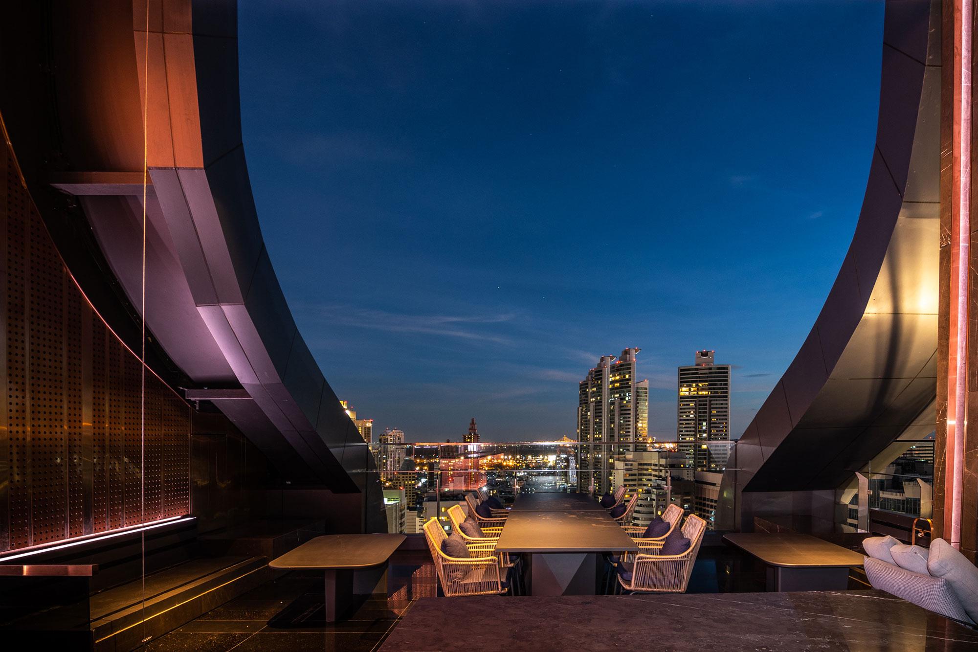 Cooling-Tower-Rooftop-Bar,-Carlton-Hotel-Bangkok-Sukhumvit